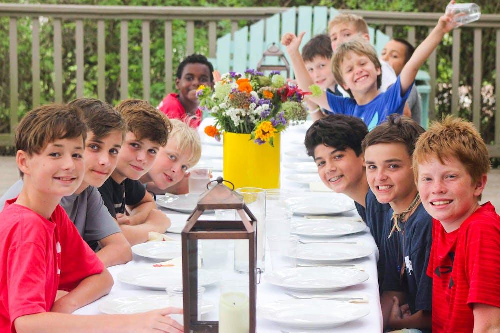 Boys dining outside.jpg?ixlib=rails 2.1