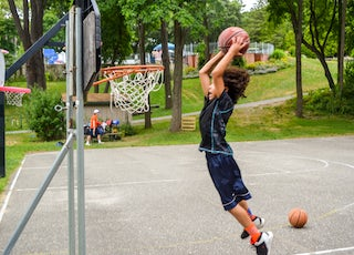 Slam dunk at alvernia day camp in new york.jpg?ixlib=rails 2.1