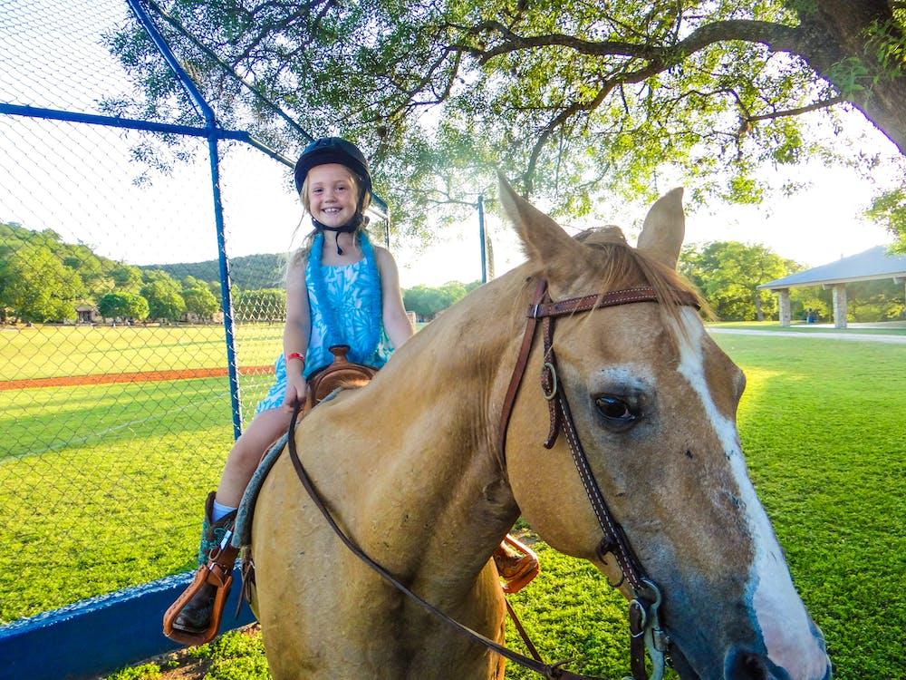 Activities vista summer camp in ingram hunt texas horseback riding.jpg?ixlib=rails 2.1