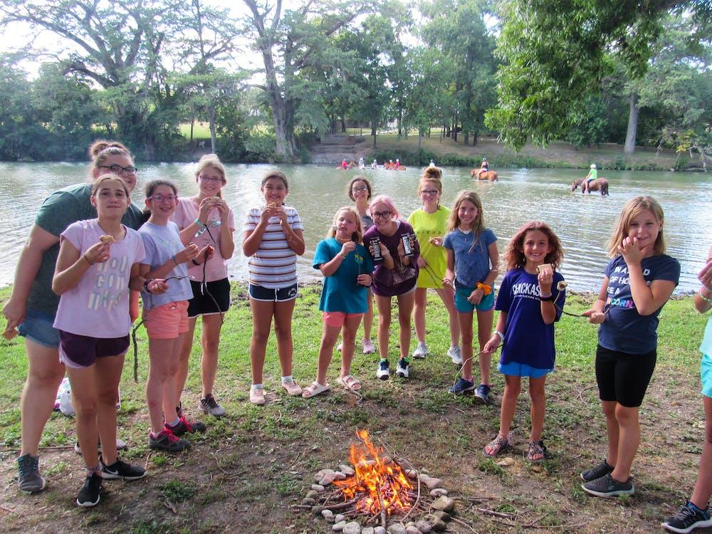 Activities vista summer camp in ingram hunt texas camp craft.jpg?ixlib=rails 2.1