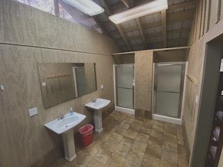 Inside bathroom 2.jpg?ixlib=rails 2.1