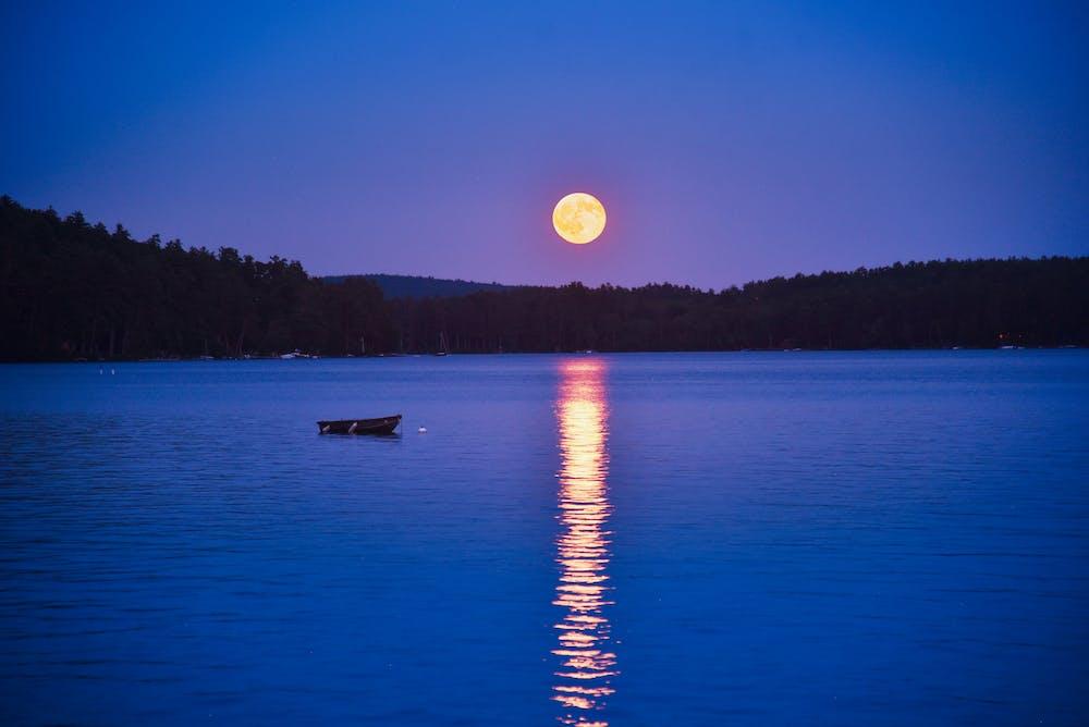 Moon over winnipesaukee.jpg?ixlib=rails 2.1