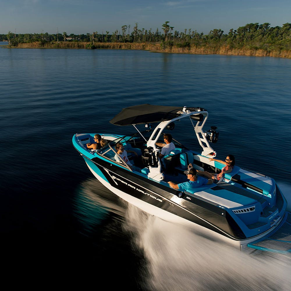 2020 super air nautique 230 e gallery 04.jpg?ixlib=rails 2.1